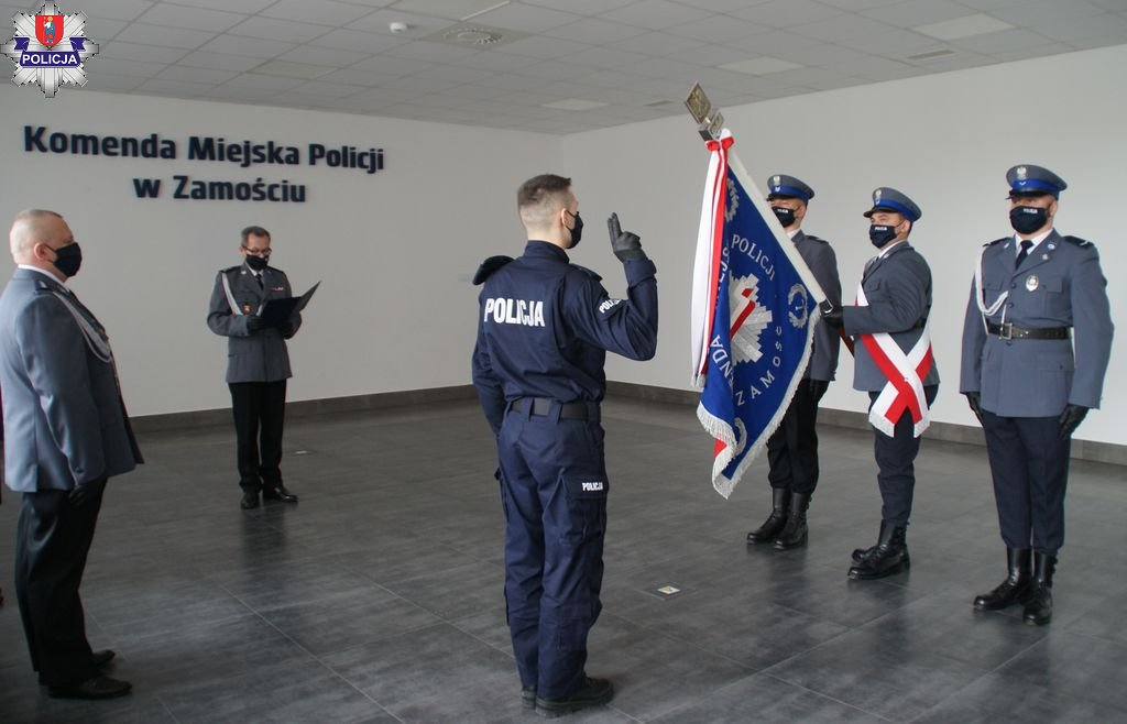 361 182910 Nowy funkcjonariusz w szeregach zamojskiej policji