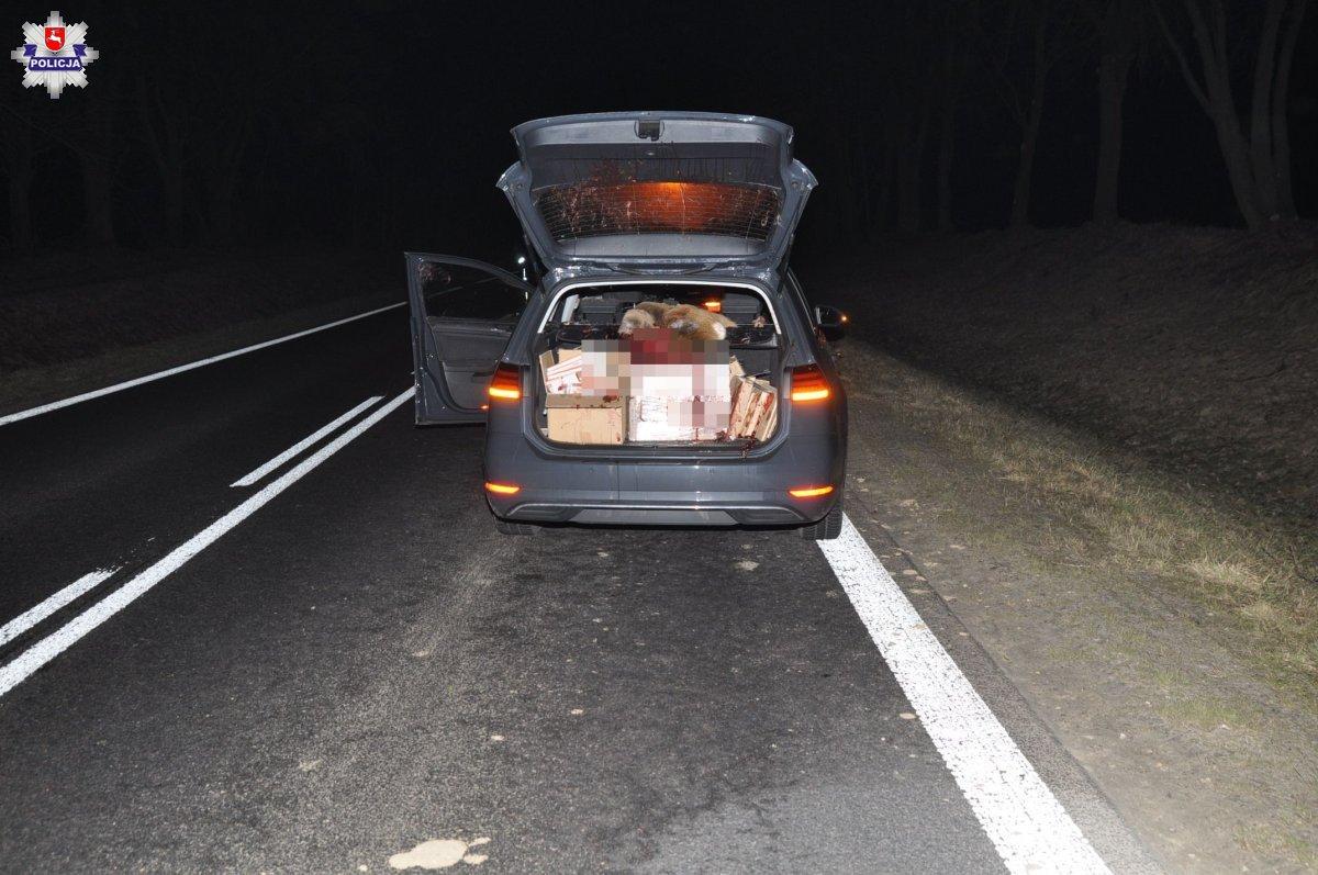 68 181855 Koszmarny wypadek. Sarna wpadła do auta, poważnie raniąc kierowcę