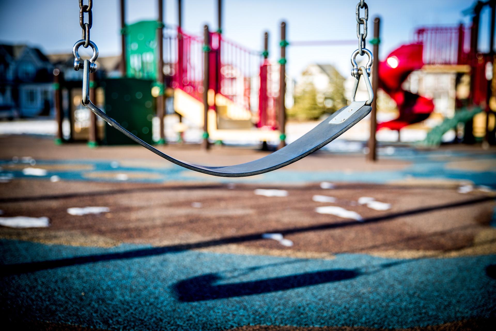 swing 1188132 1920 Koronawirus. Place zabaw w Gminie Zamość zamknięte.