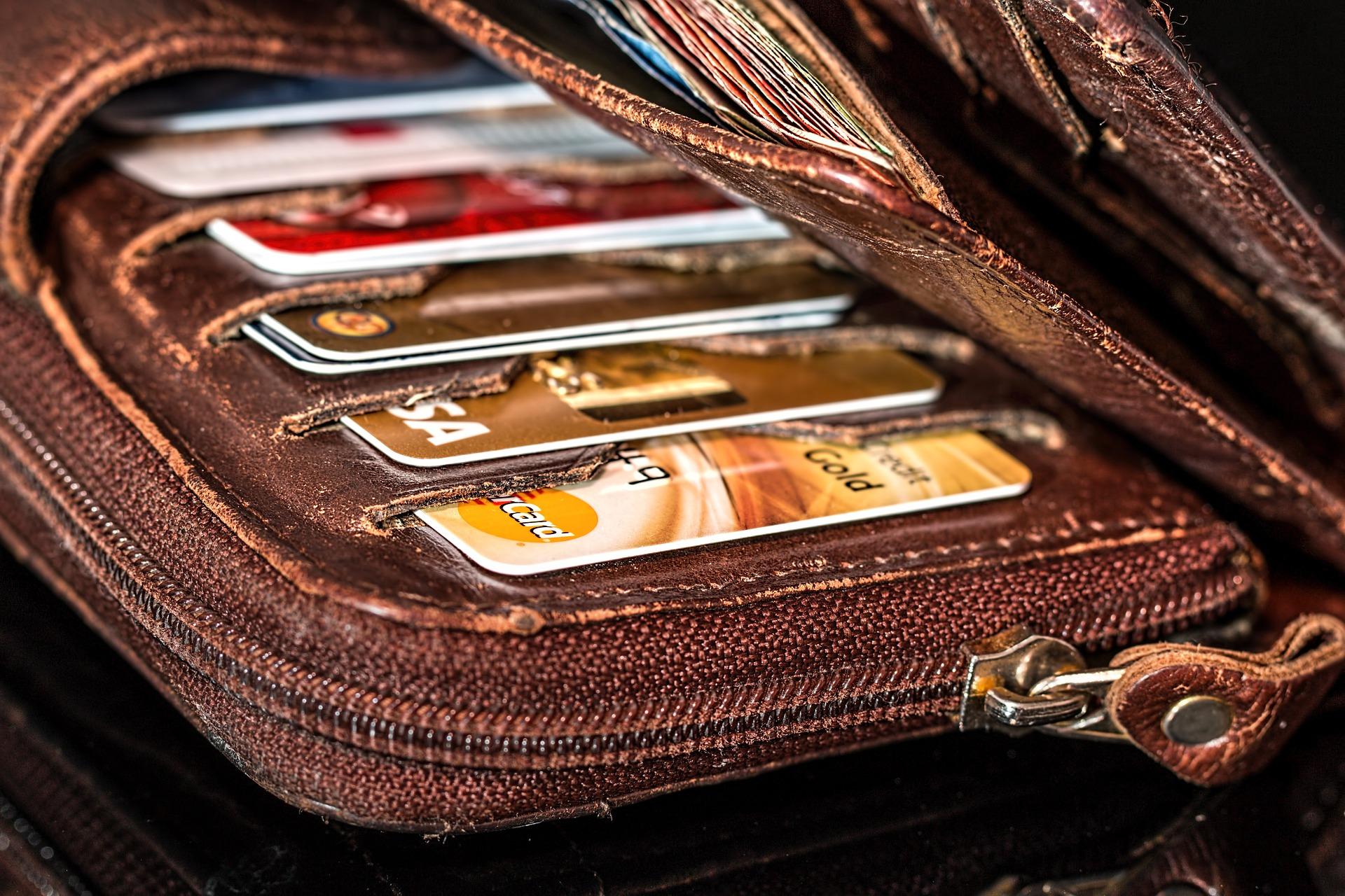 wallet 908569 1920 Znalazła portfel z 3 tys. zł.Zaniosła go na policję