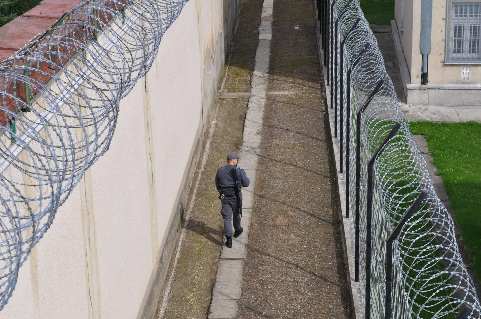 2 1 Marzysz o pracy w więzieniu? Trwa nabór