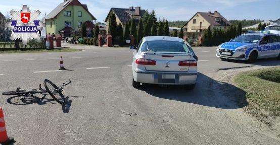68 183460 15-letnia rowerzystka wjechała pod samochód