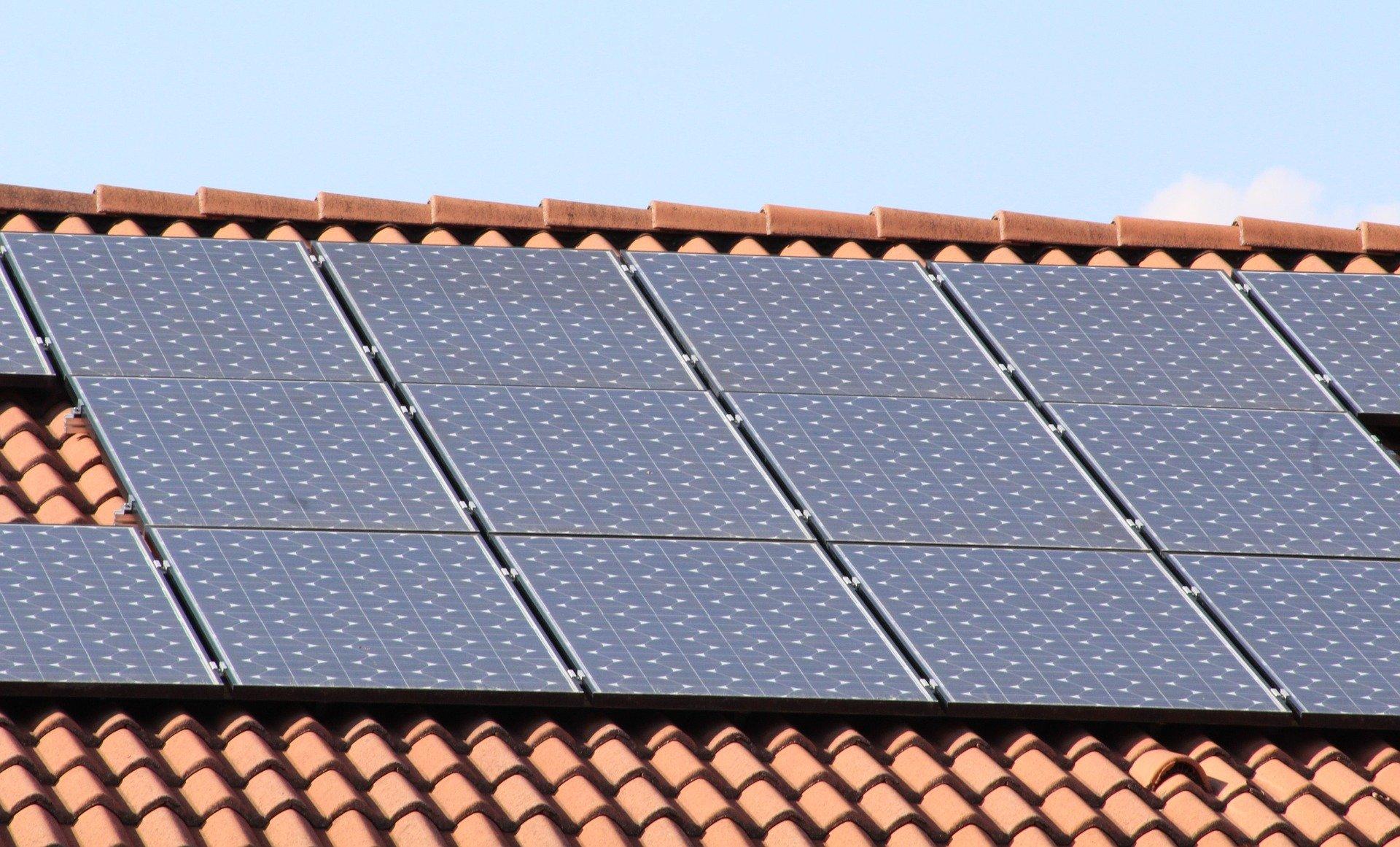 solar panels 1273129 1920 Gm. Łabunie otrzyma 2,8 mln zł dotacji na odnawialne źródła energii.