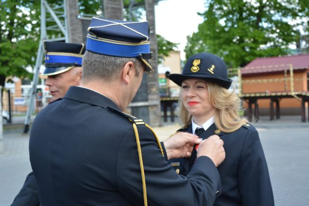 21ds12 Dzień strażaka w Zamościu. Awanse i odznaczenia (zdjęcia)