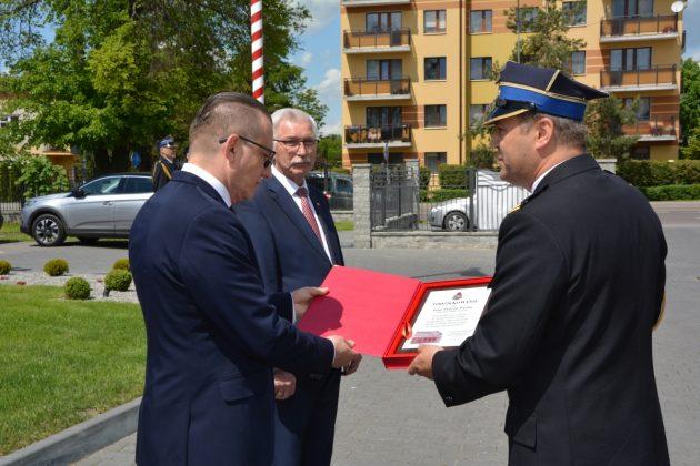 21ds22 Dzień strażaka w Zamościu. Awanse i odznaczenia (zdjęcia)
