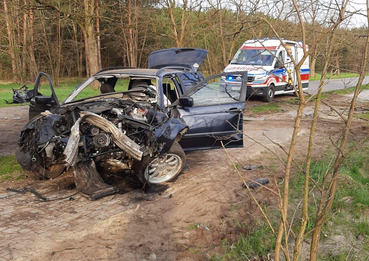 344 184296 Tak rozpoczął weekend pijany i młody kierowca BMW