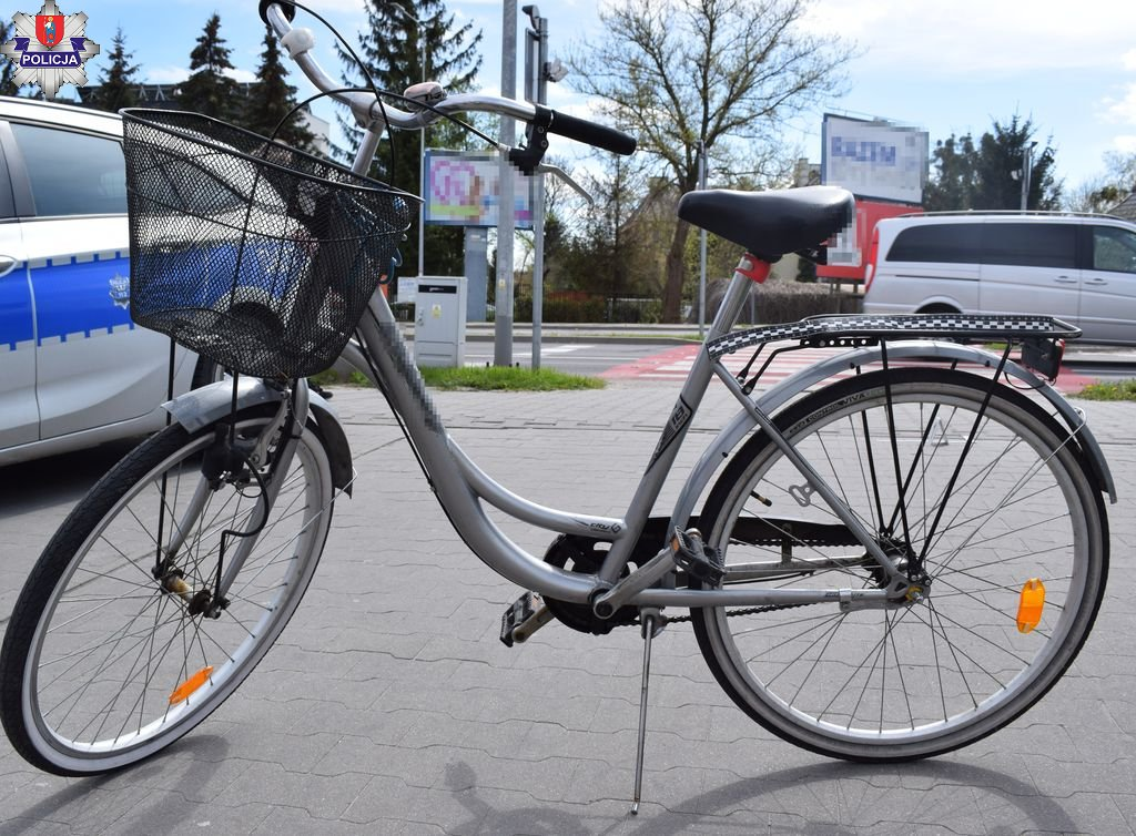 361 184404 Wypadek w Zamościu. Zderzyły się dwie rowerzystki. Obie jechały chodnikiem