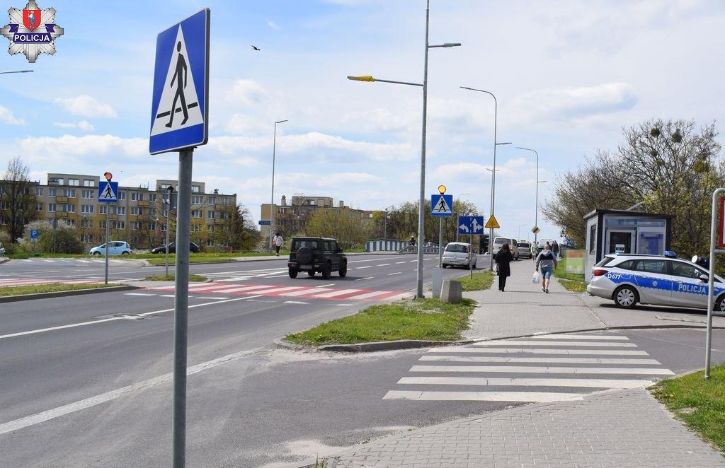 361 184405 Wypadek w Zamościu. Zderzyły się dwie rowerzystki. Obie jechały chodnikiem