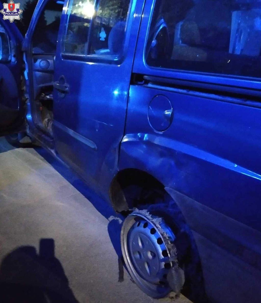 361 184672 ZAMOŚĆ: Pijany kierowca jechał bez świateł i ... opony. Spod auta sypały się iskry.