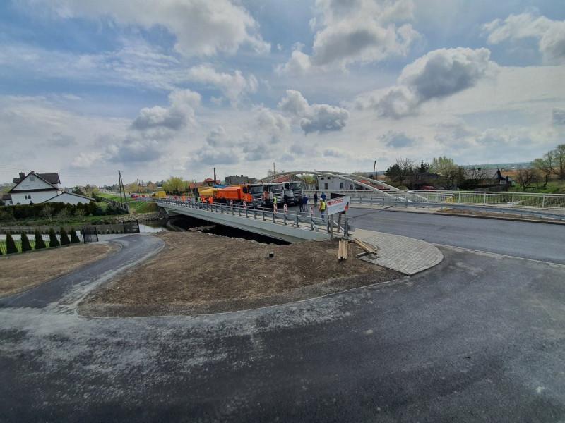 45325 Nowy most w Szczebrzeszynie bliski ukończenia