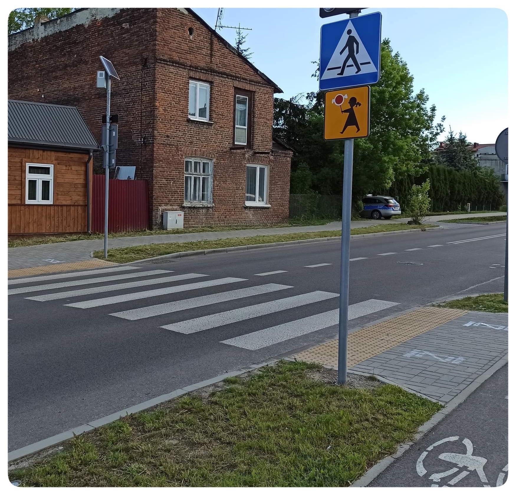 piktogramy przejscia 1 Uwaga! Zakaz używania telefonu podczas wchodzenia na jezdnie - nowe oznaczenia przed przejściami