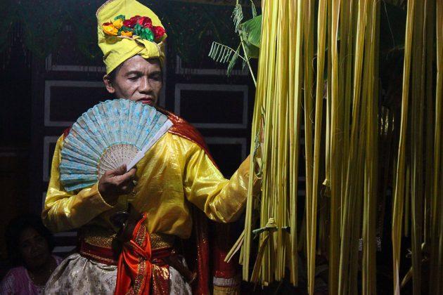 1 bissu szaman piatej plci Wybierz się w podróż do Indonezji z Zamojskim Domem Kultury