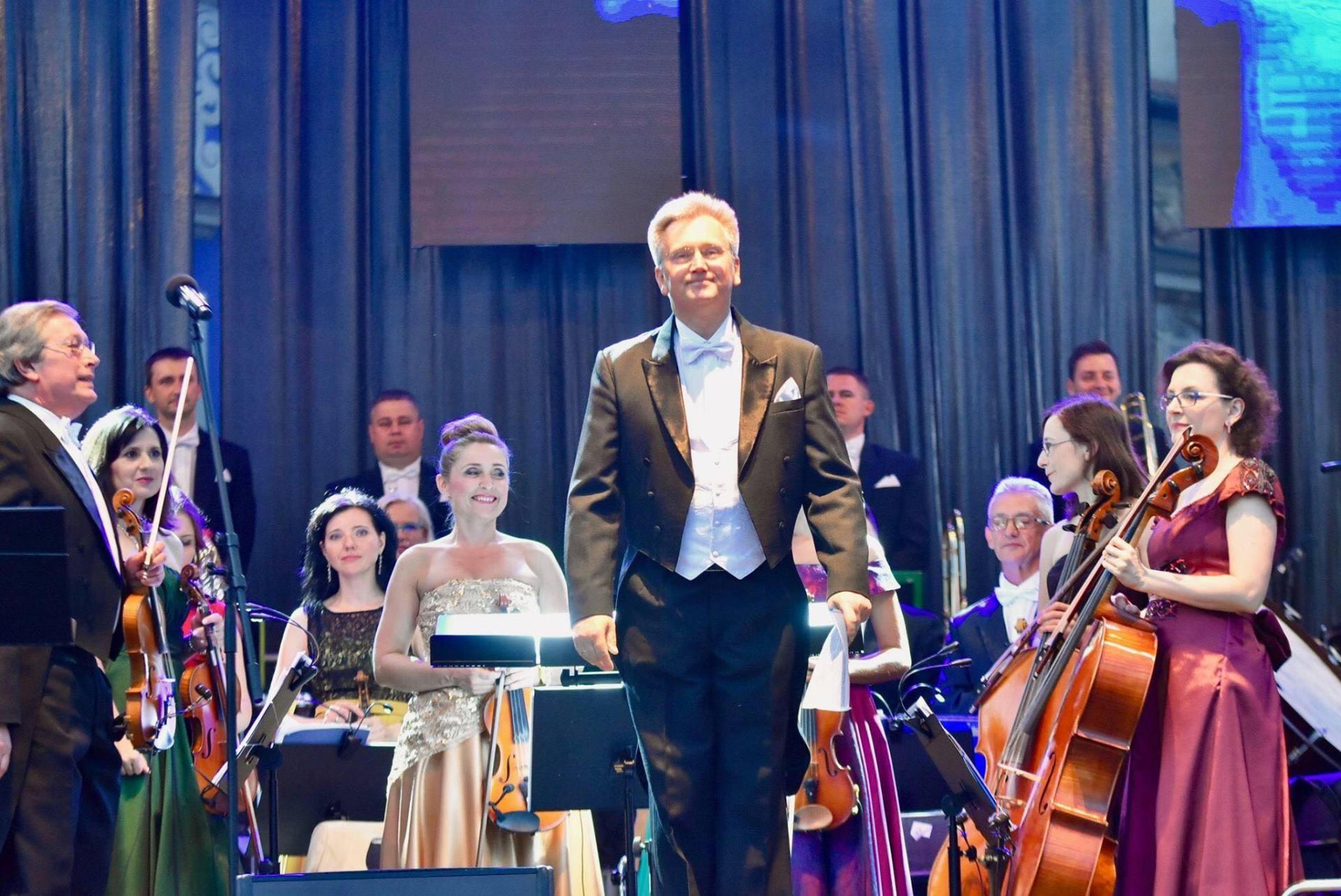 19055274 1937978186472309 9051992630087130030 o Zamojska Orkiestra zaprezentowała logo i plan jubileuszu 140-lecia