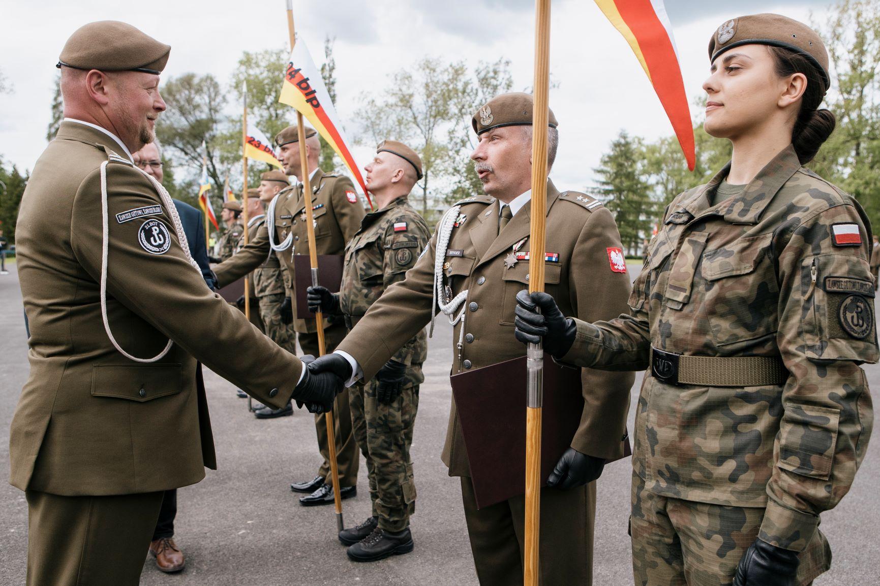 25zblp nadanie tradycji i patrona 1m Zamojscy Terytorialsi otrzymali patrona i tradycje