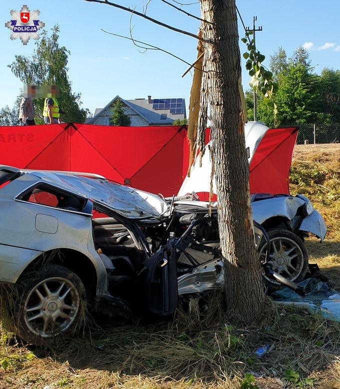 68 185707 Tragiczny wypadek. Kierowca zginął na miejscu