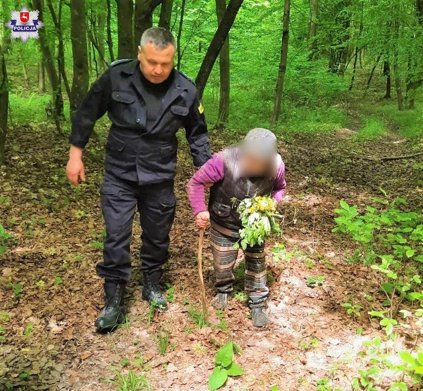 68 185861 92-latka zagubiła się w lesie. Poszukiwania trwały całą noc.