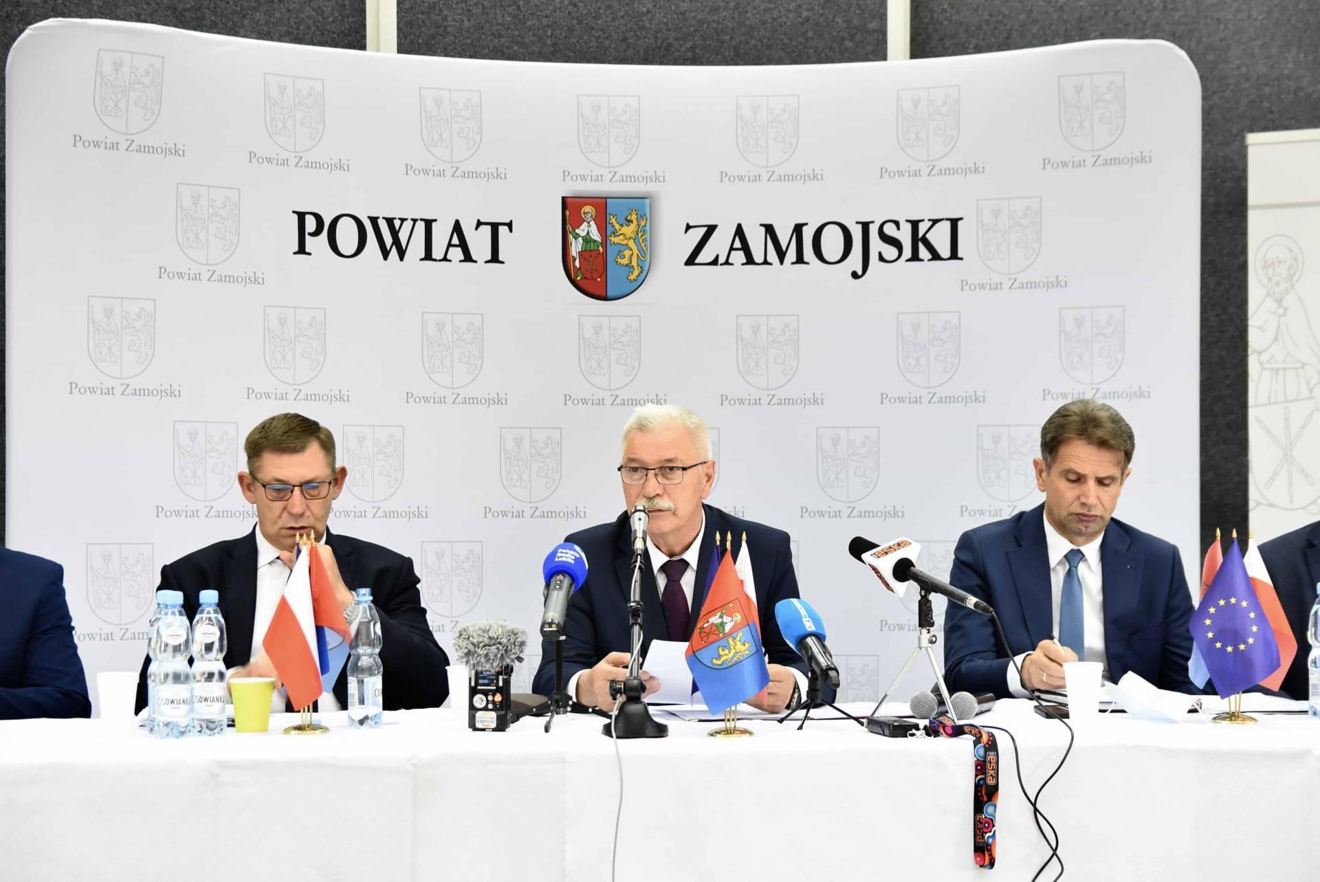 dsc 6028 Półmetek kadencji władz powiatu zamojskiego. Relacja z konferencji prasowej [FILM]