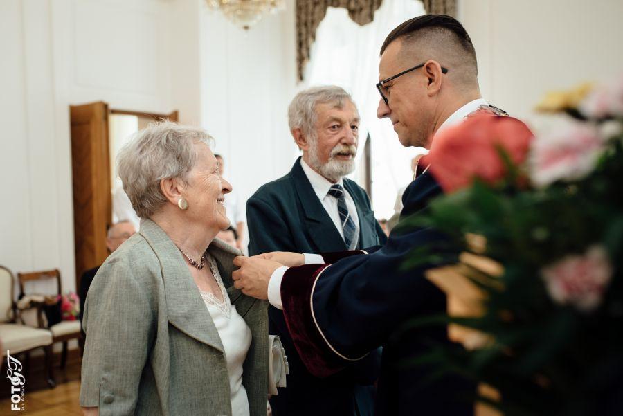 12514b Jubileusz 50-lecia Pożycia Małżeńskiego dla 10-ciu par (zdjęcia)