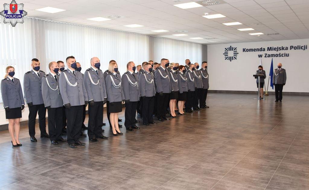 361 188520 Obchody Święta Policji w Zamościu czyli czas awansów i wyróżnień