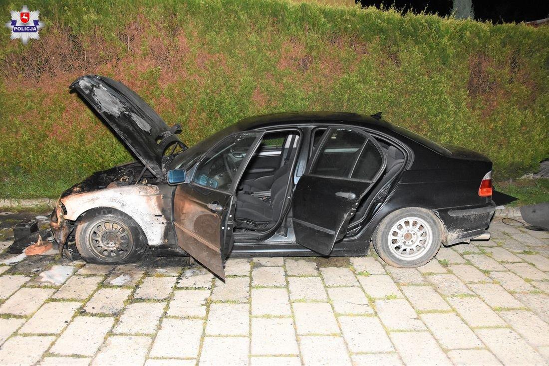 68 187986 Schwytali podpalacza BMW