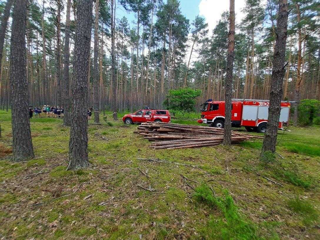 oboz 3 Zamojscy strażacy wizytowali obóz harcerski