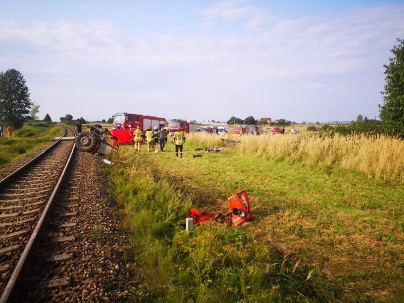 img 20210823 wa0002 GM. NIELISZ: Traktorzysta wjechał pod pociąg. Nie udało się go uratować.