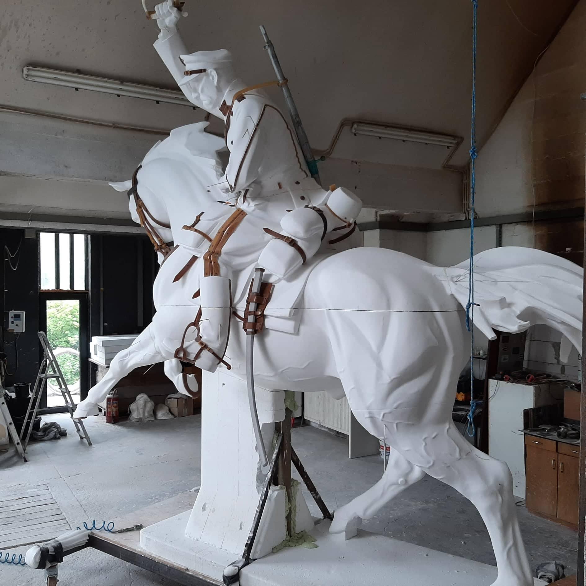 odlew pomnik komarow 5 Zbliża się 101. rocznica Bitwy pod Komarowem. Jak postepują prace przy budowie pomnika bitwy?