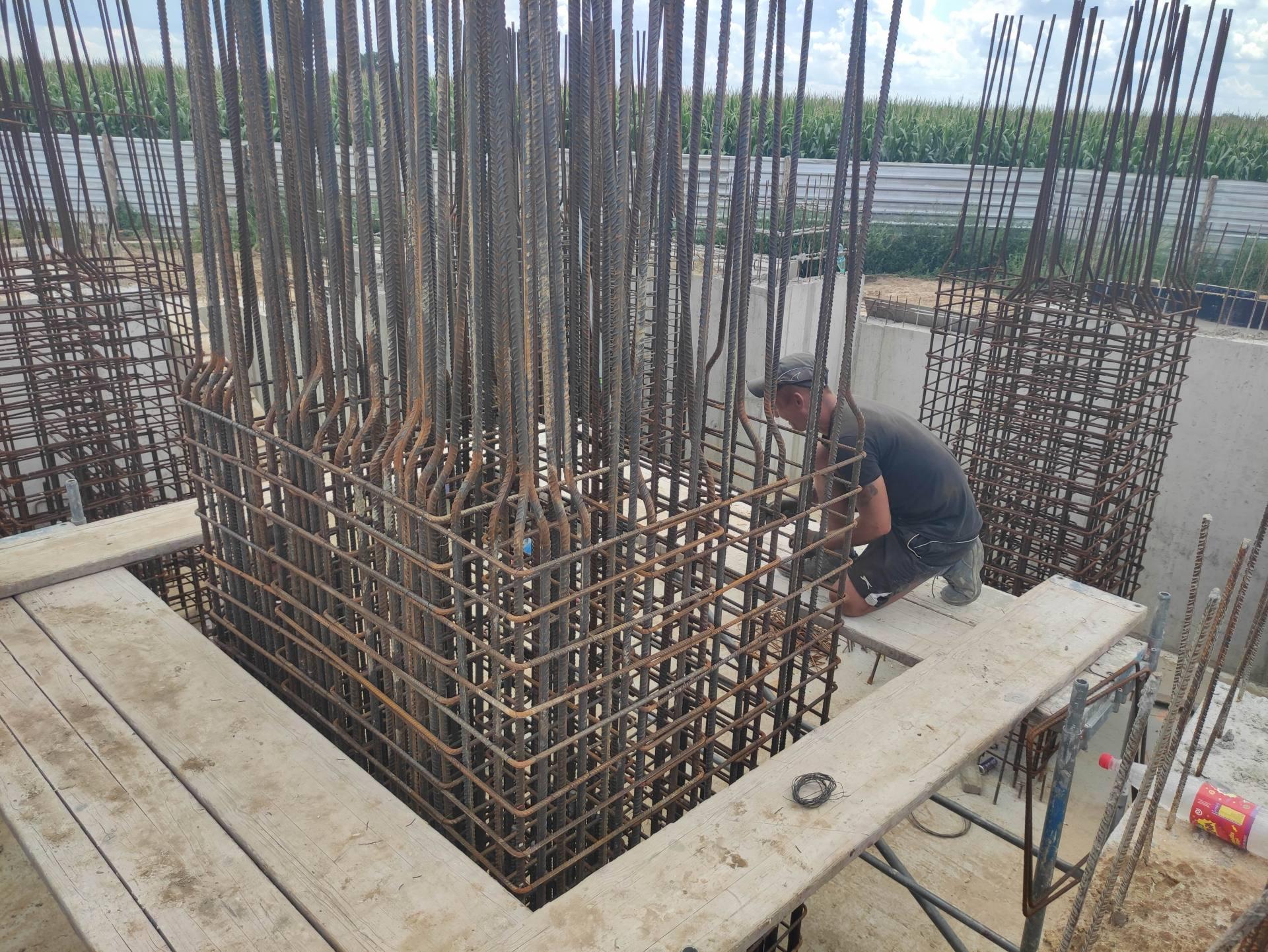 prace pomnik komarow 3 Zbliża się 101. rocznica Bitwy pod Komarowem. Jak postepują prace przy budowie pomnika bitwy?