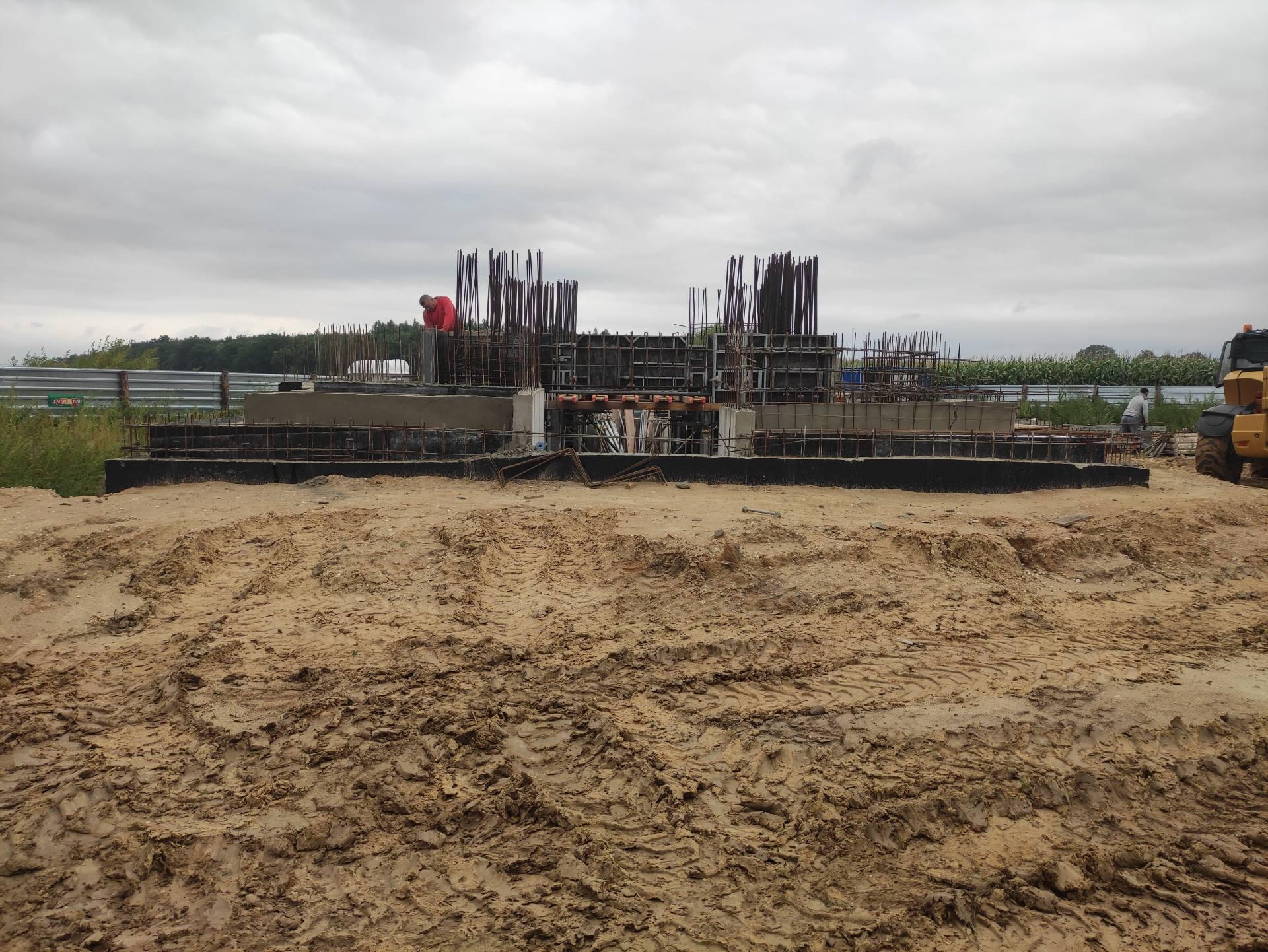 prace pomnik komarow 5 Zbliża się 101. rocznica Bitwy pod Komarowem. Jak postepują prace przy budowie pomnika bitwy?