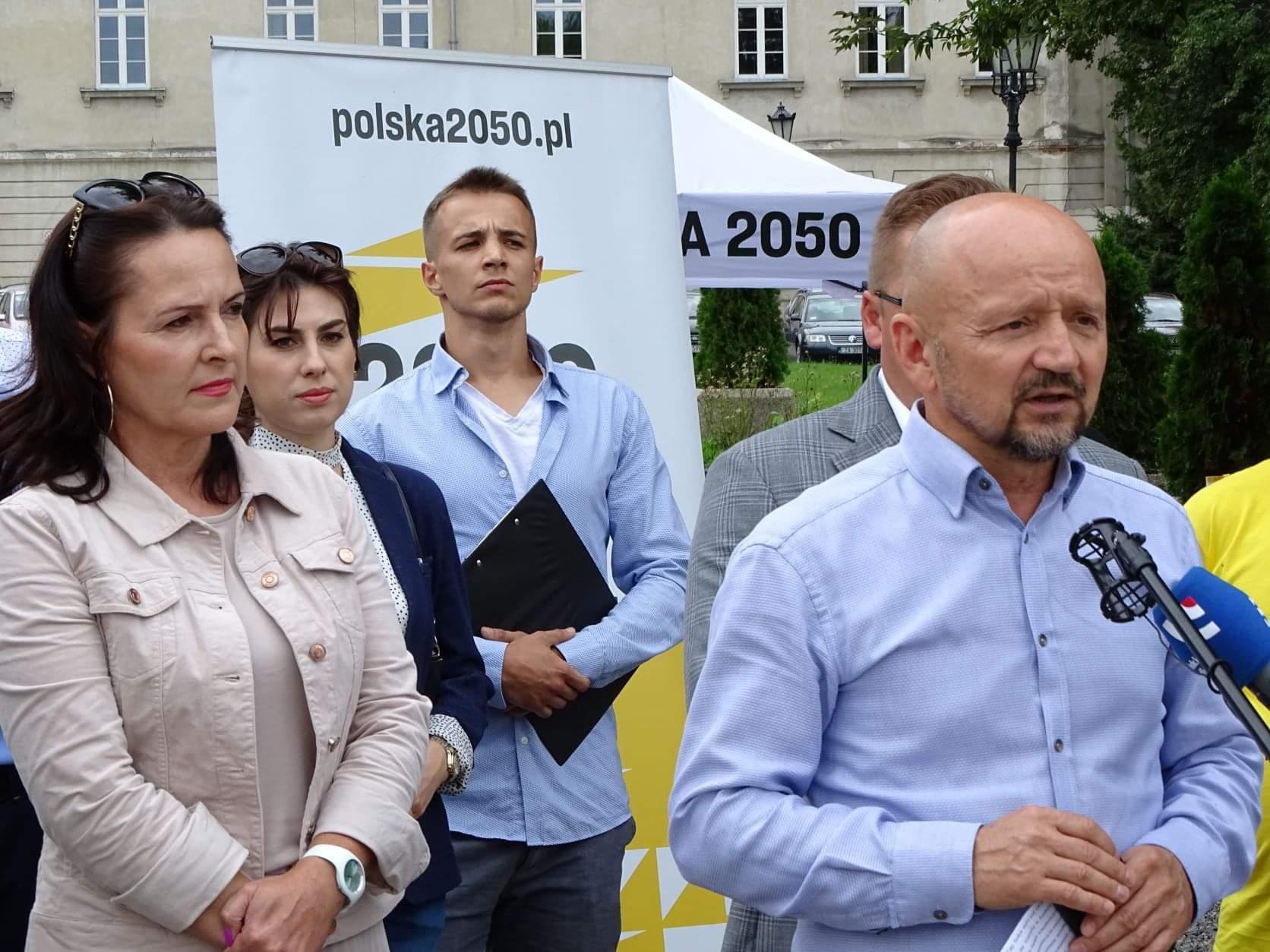 received 270562534536646 Liderzy i działacze Polski 2050 spotkali się w Zamościu. Rozmawiali m.in. o zamknięciu oddziału pediatrycznego w naszym mieście