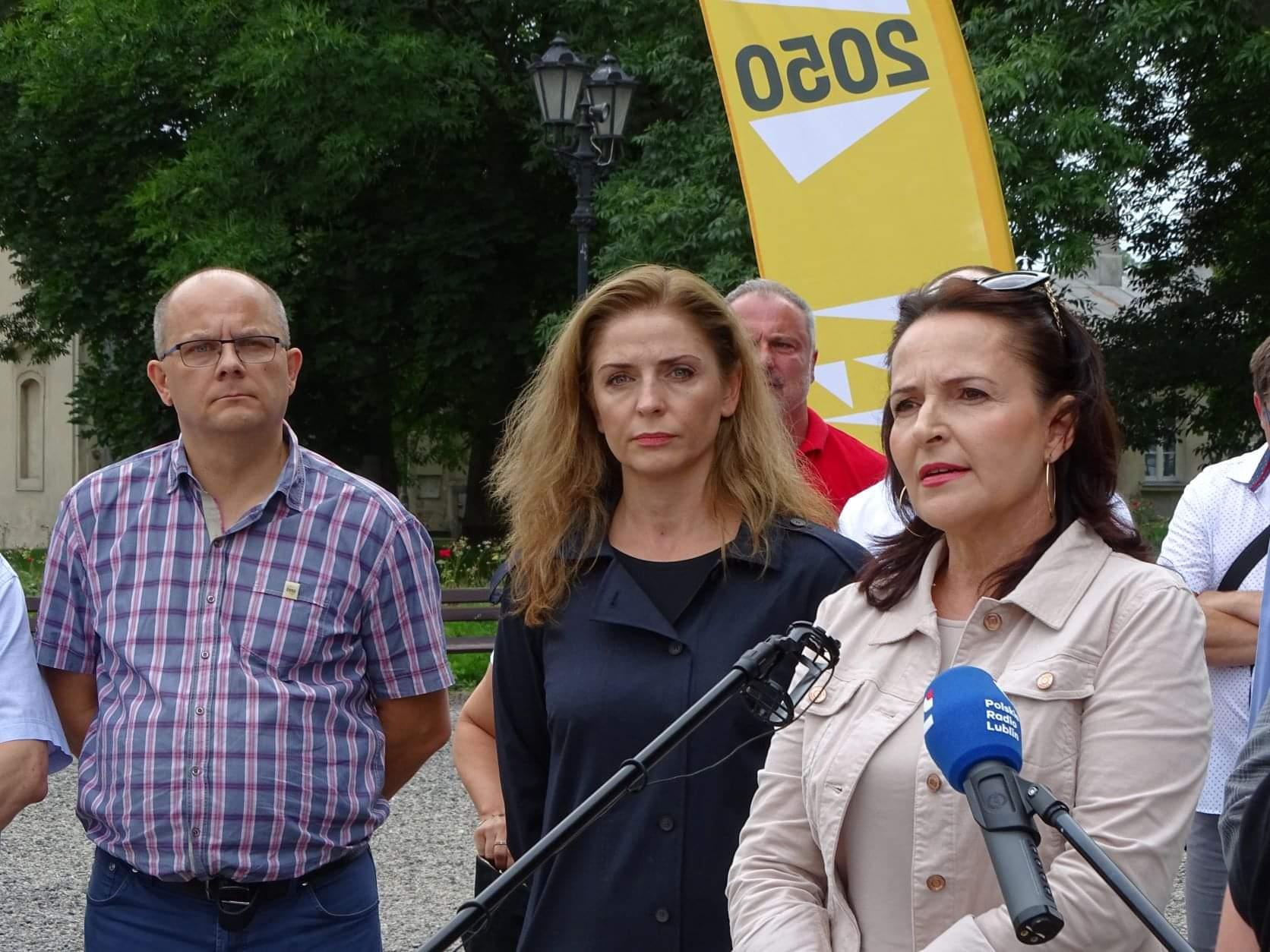 received 392126545591628 Liderzy i działacze Polski 2050 spotkali się w Zamościu. Rozmawiali m.in. o zamknięciu oddziału pediatrycznego w naszym mieście