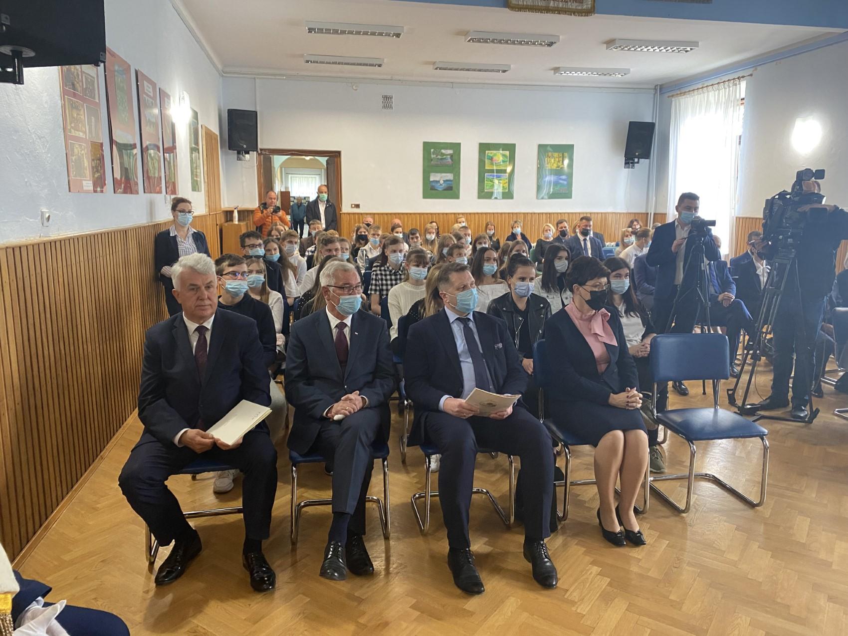 01 Wizyta ministra Przemysława Czarnka w Branżowej Szkole w Szczebrzeszynie