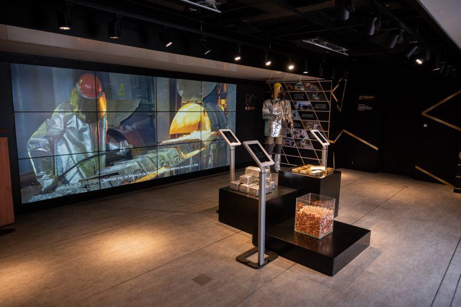 """12766b """"Przyszłość jest z miedzi"""" - mobilna wystawa w Zamościu"""