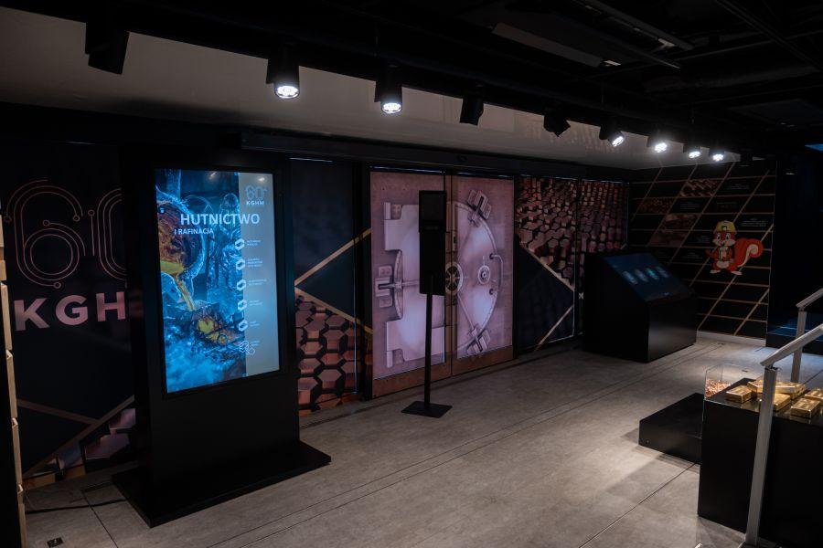 """12768b """"Przyszłość jest z miedzi"""" - mobilna wystawa w Zamościu"""