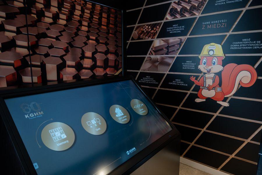 """12769b """"Przyszłość jest z miedzi"""" - mobilna wystawa w Zamościu"""