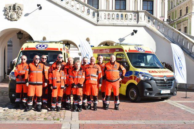 dsc 4275 Poświęcenie i przekazanie nowych ambulansów oraz wręczenie odznaczeń medykom [ZDJĘCIA]