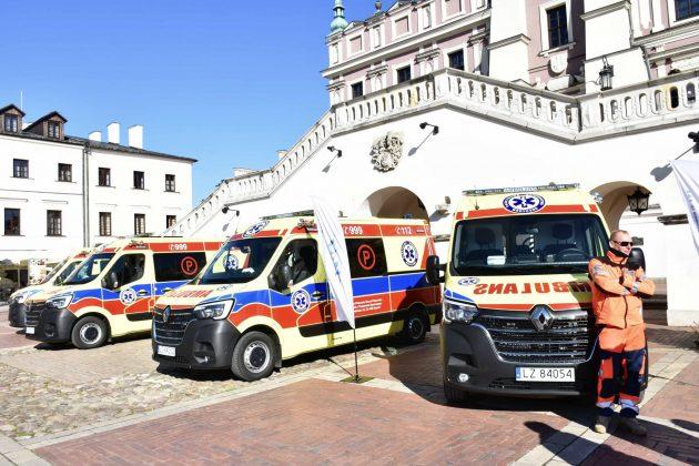 dsc 4284 Poświęcenie i przekazanie nowych ambulansów oraz wręczenie odznaczeń medykom [ZDJĘCIA]