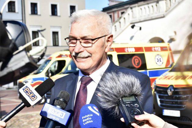 dsc 4294 Poświęcenie i przekazanie nowych ambulansów oraz wręczenie odznaczeń medykom [ZDJĘCIA]