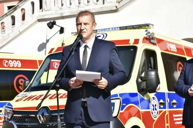 dsc 4304 Poświęcenie i przekazanie nowych ambulansów oraz wręczenie odznaczeń medykom [ZDJĘCIA]