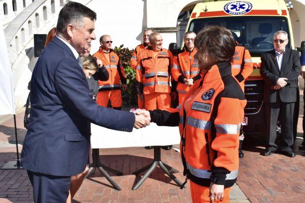 dsc 4369 Poświęcenie i przekazanie nowych ambulansów oraz wręczenie odznaczeń medykom [ZDJĘCIA]