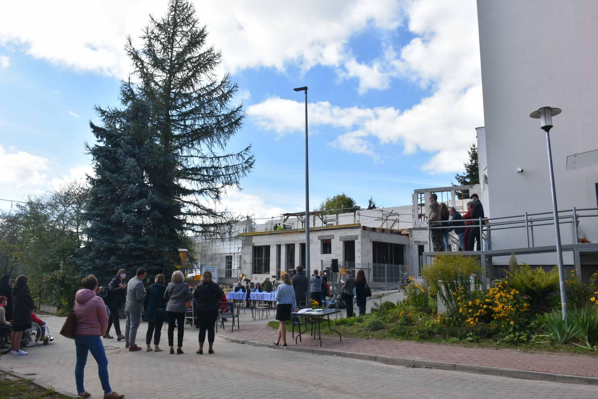 dsc 4406 Rodzinny Dom przy ul. Kresowej pnie się w górę. Budowa już na półmetku [WIDEO, ZDJĘCIA]