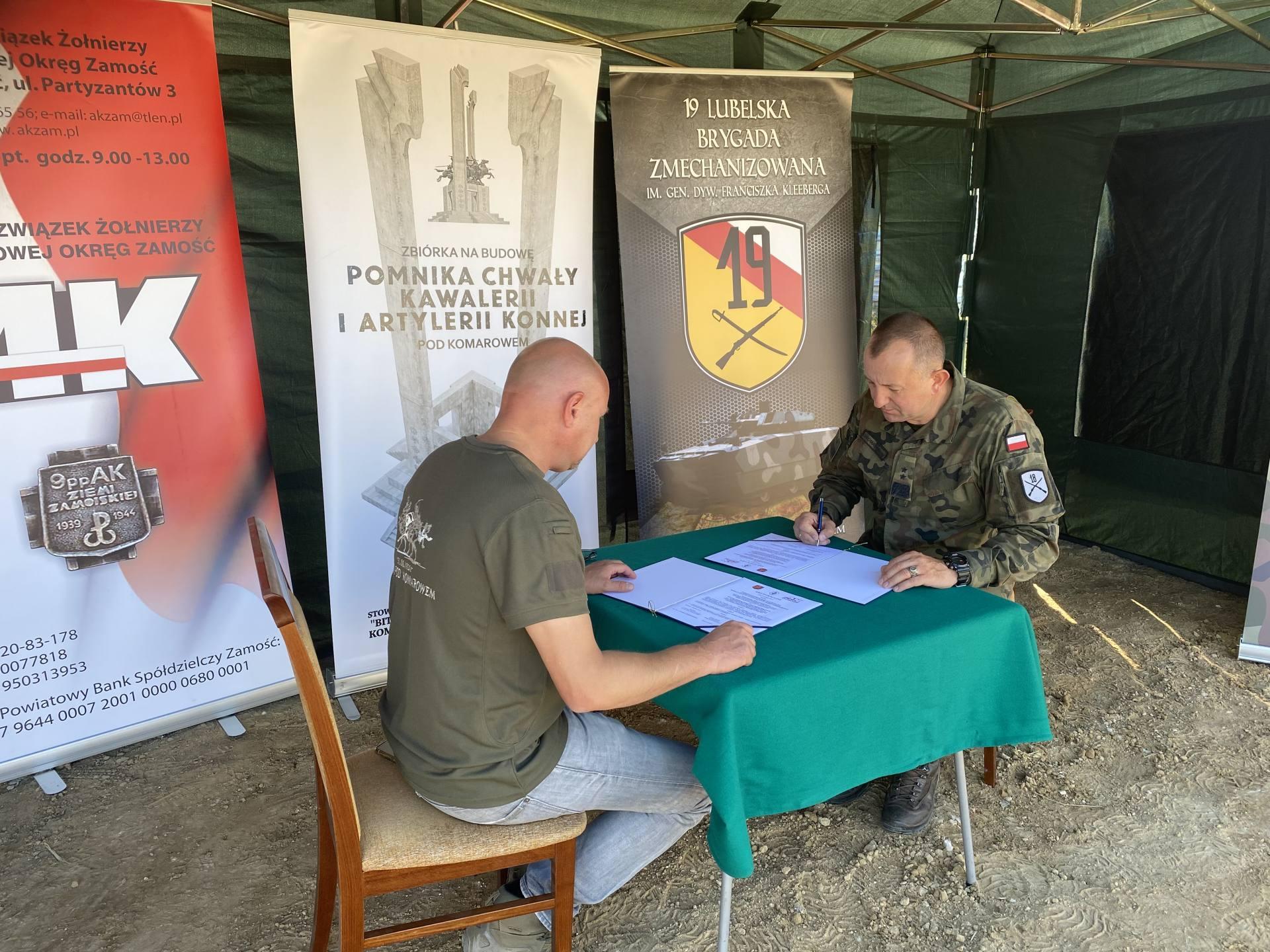 """img 6294 Podpisanie listu intencyjnego przez 18. Dywizję Zmechanizowaną oraz Stowarzyszenie """"Bitwa pod Komarowem"""" i ŚZŻAK Okręg Zamość"""