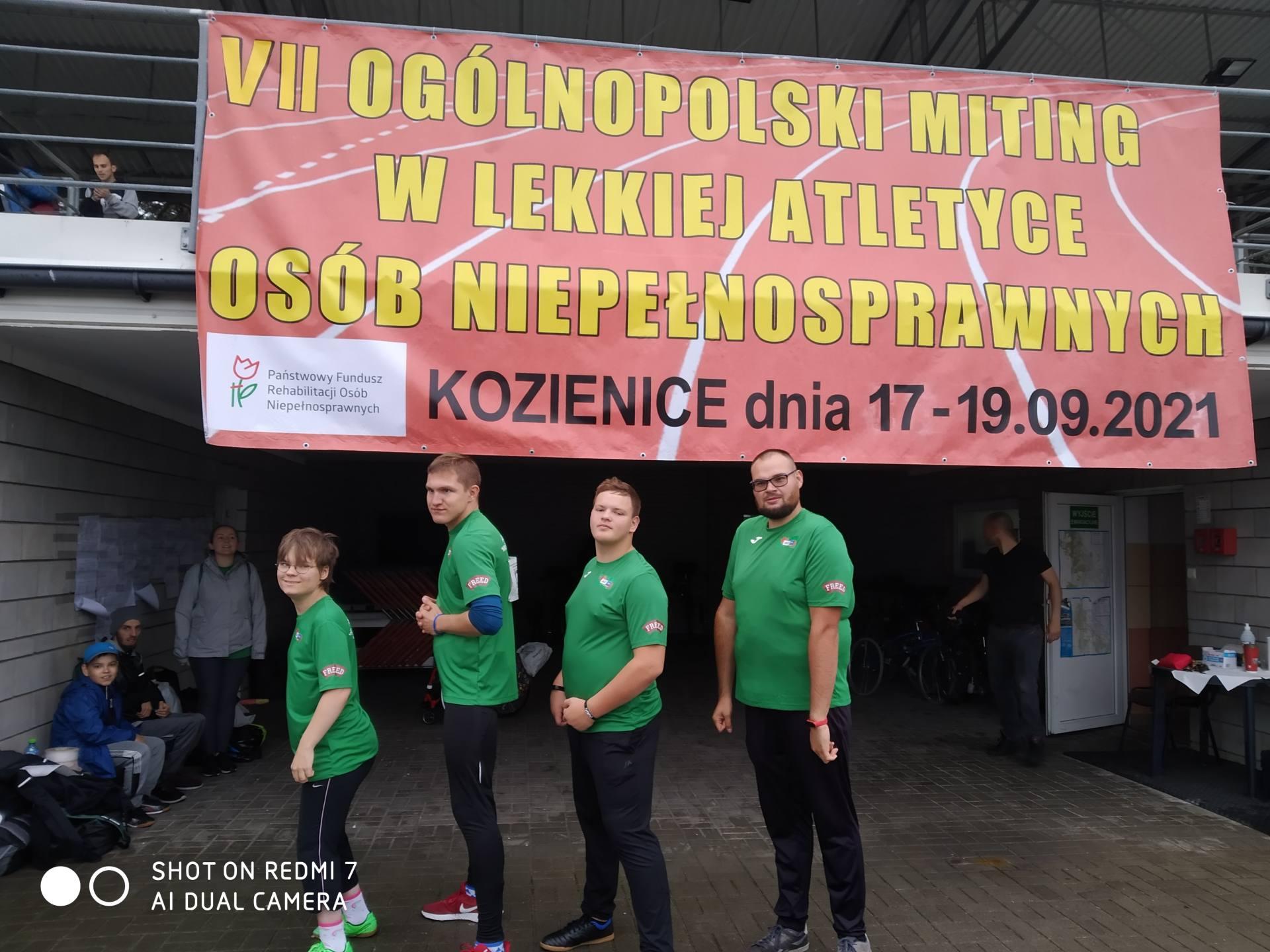 kozienice n09 2021 zawodnicy Bojowy wrzesień dla AKSON Krok za Krokiem.