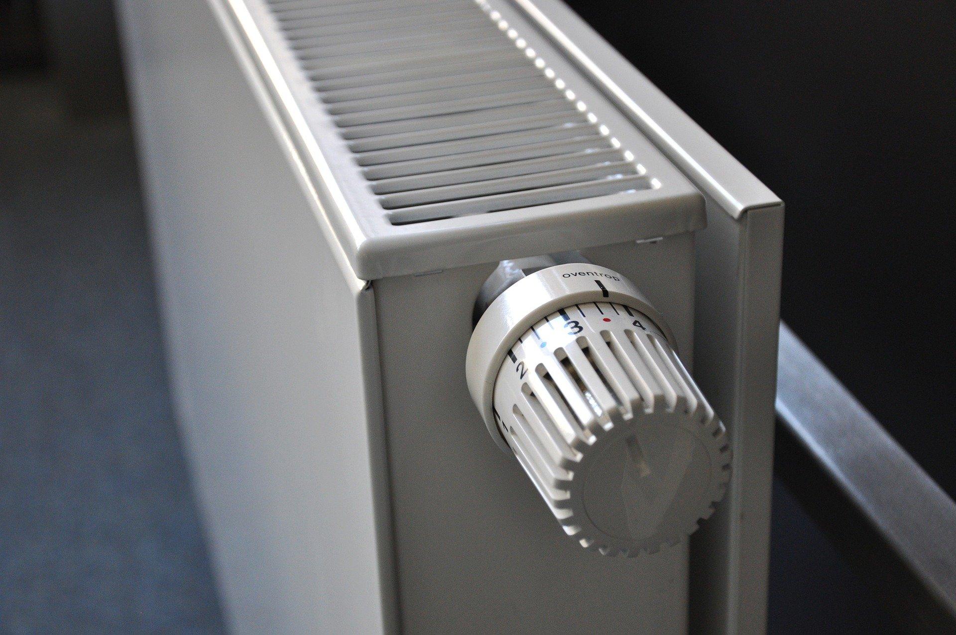 radiator 250558 1920 Początek sezonu grzewczego w Zamościu.