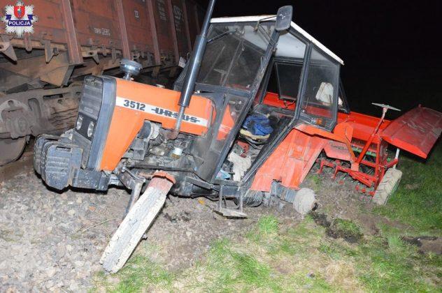 361 191571 Ciągnikiem rolniczym wjechał wprost pod pociąg