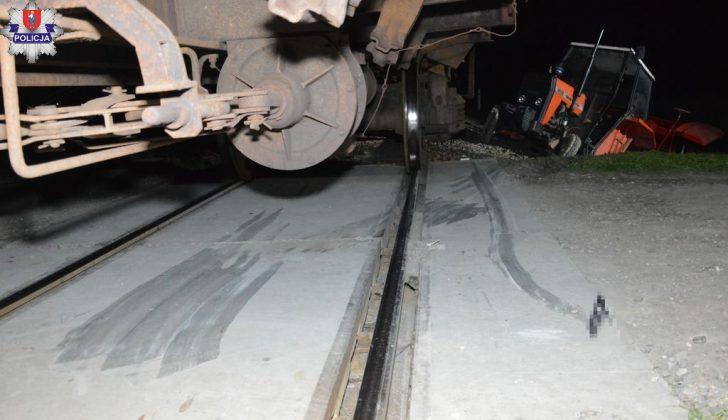 361 191572 Ciągnikiem rolniczym wjechał wprost pod pociąg