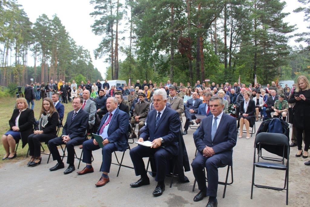 img 6925 Uroczystość odsłonięcia pomnika Bohaterów Ziemi Józefowskiej