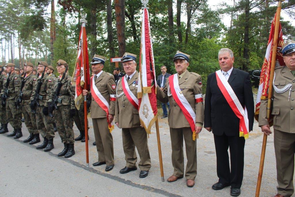 img 6950 Uroczystość odsłonięcia pomnika Bohaterów Ziemi Józefowskiej
