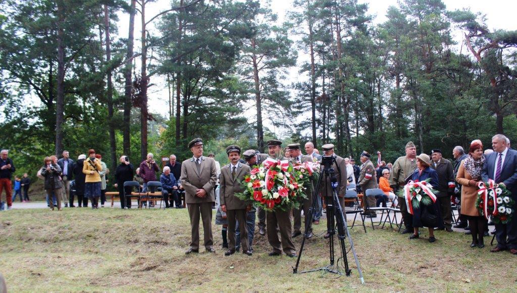 img 7112 Uroczystość odsłonięcia pomnika Bohaterów Ziemi Józefowskiej